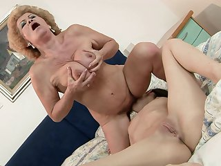 Mature Effie gets ruthlessly tongue fucked by Ann Marie La Sante