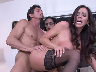 Teen Ariella Ferrera poses for your viewing pleasure in solo action