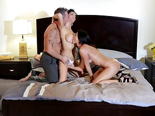 Marcus London gets pleasure from fucking shameless India Summer's wet spot