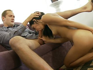 Teen Tia Cyrus does lewd things