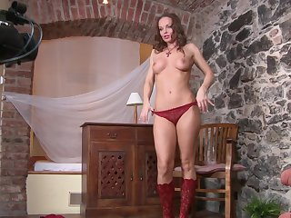 Brunette Silvia Saint makes no secret of her snatch and hooters