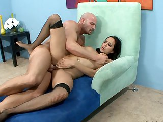 With massive jugs spends her sexual energy with hard man meat in action