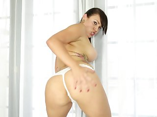 Brunette with juicy jugs shows her slutty side in cumshot action