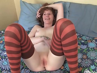 Yanks Redhead Staci Gets Four Fingers In