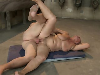 Mature Norma finds herself sucking mans hard worm
